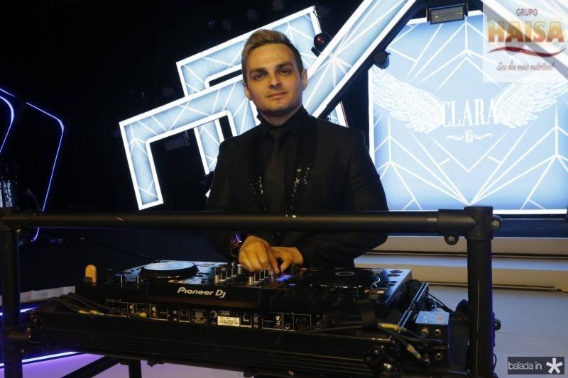 DJ Gilliard Costa