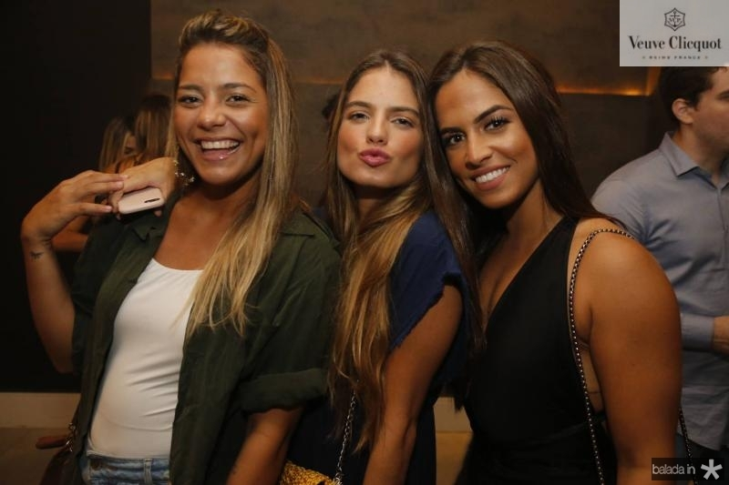 Daniele Alves, Carol Gomes e Elisa Santiago 1