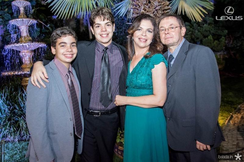Alexandre, Rodrigo, Marcia e Roberto Franco