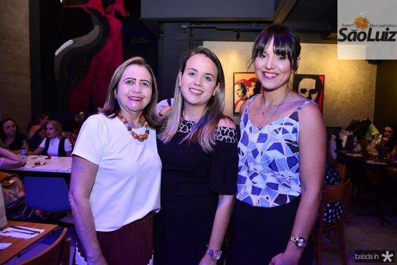 Maria Jose Santana, Emmily Santana e Aline Santana