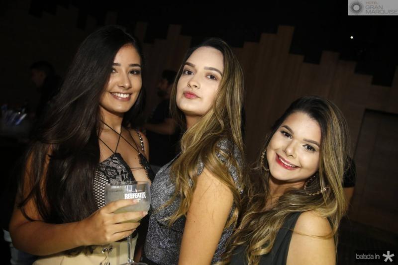 Larissa Salmito, Eduarda Brito e Carol Oliveira 1