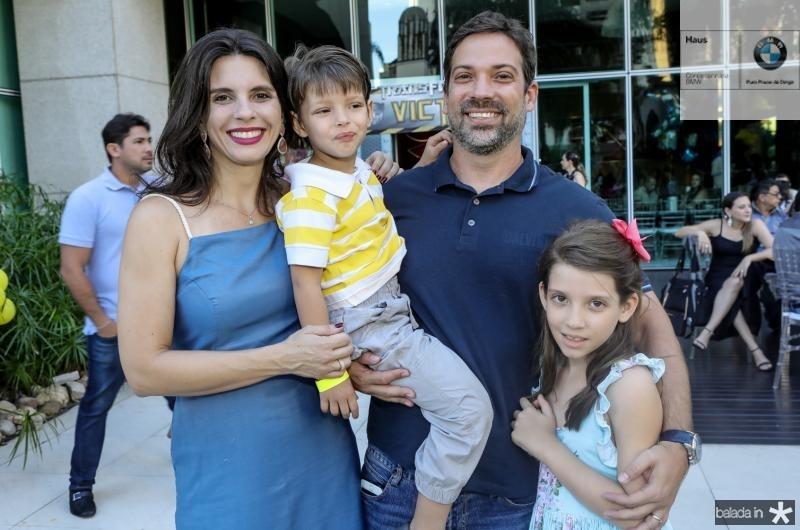 Ricci, Samuel, Edem e Suzana Fiugueira