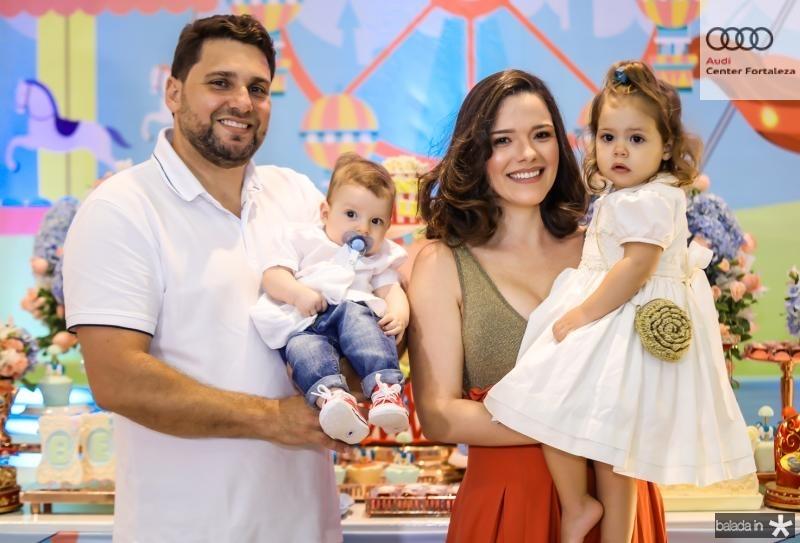 Daniel, Rafael, Carolina e Liz Negreiros