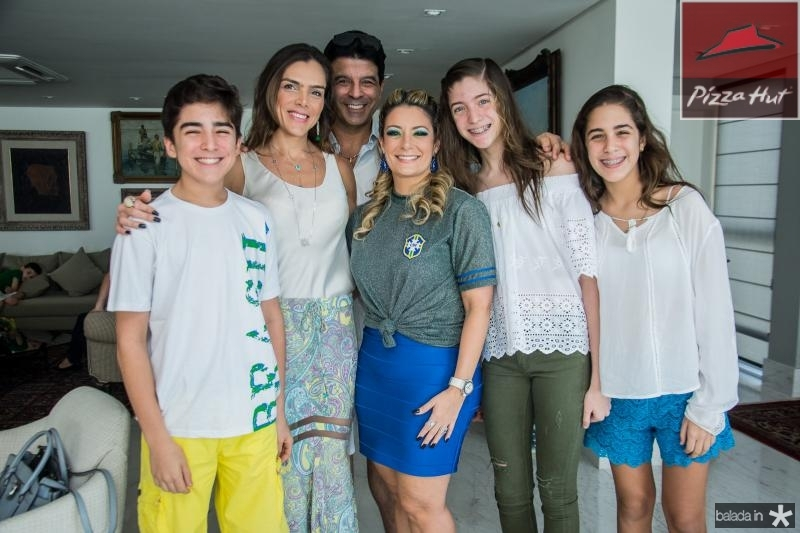 Miguel Otoch, Beatriz Otoch, Ronaldo Otoch, Tatiana Luna, Isabel Otoch e Beatriz Otoch