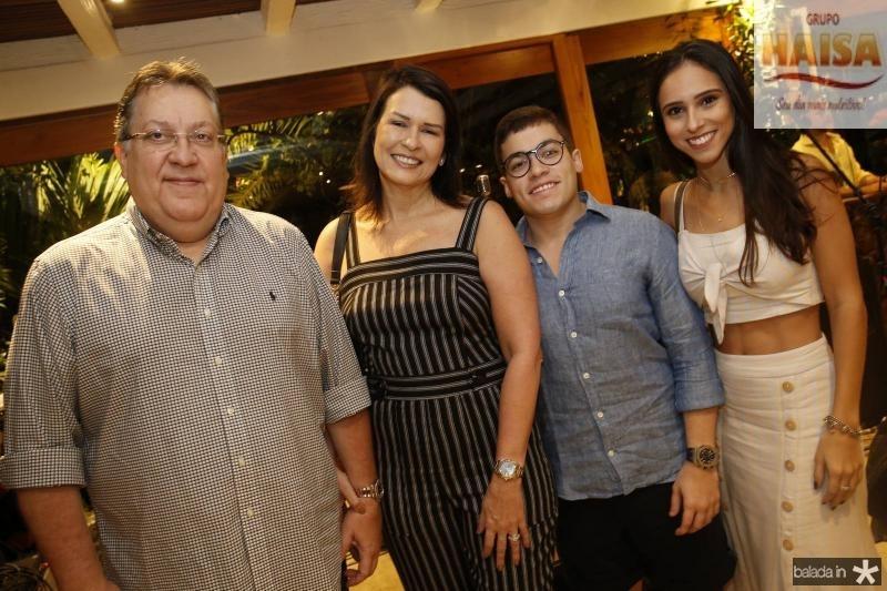 Valdomiro Filho, Paula e Valdomiro Neto e Gabriela Pamplona