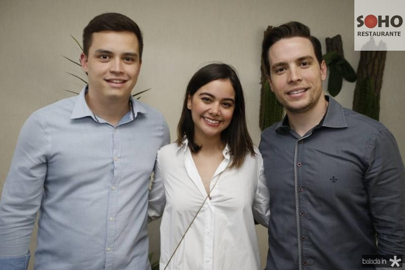 Tiago Madeira, Rebeca Teixeira e Pedro Gregore