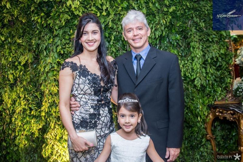 Priscila, Alice e Flavio Mendes