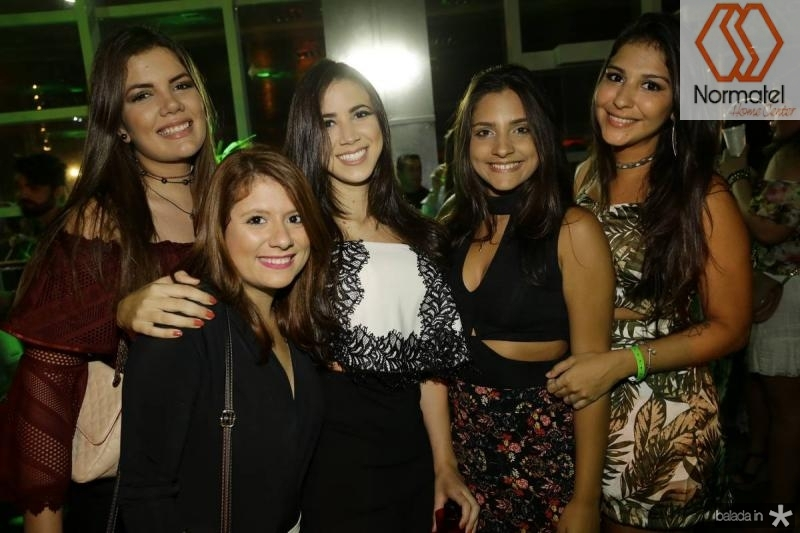 Isabella Rabelo, Juliana Martins, Luana Araujo, Bruna Gurgel e Livia Cabral