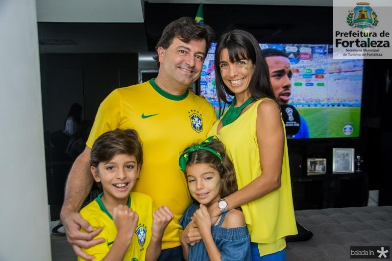Artur, George, Rafaele e Cleo Vieira