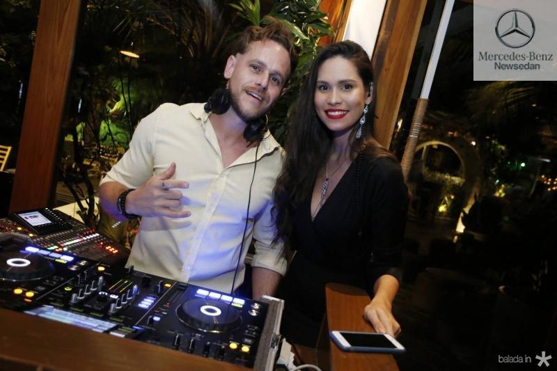 DJ Thiago Camargo e Jade Oliveira