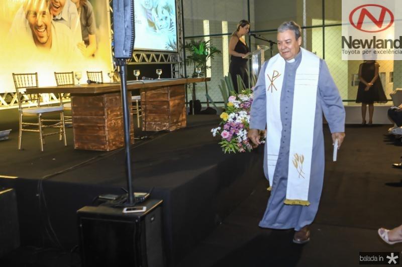 Padre Dom Fernandes
