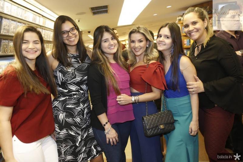 Rebeca Arruda, Ingrid Lima, Nichole Emmily, Roberta Quaranta, Vanessa Cysne e Marilia Bastos