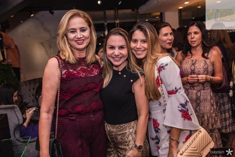 Silvia Moraes, Adriana Queiroz e Nicole Gomes