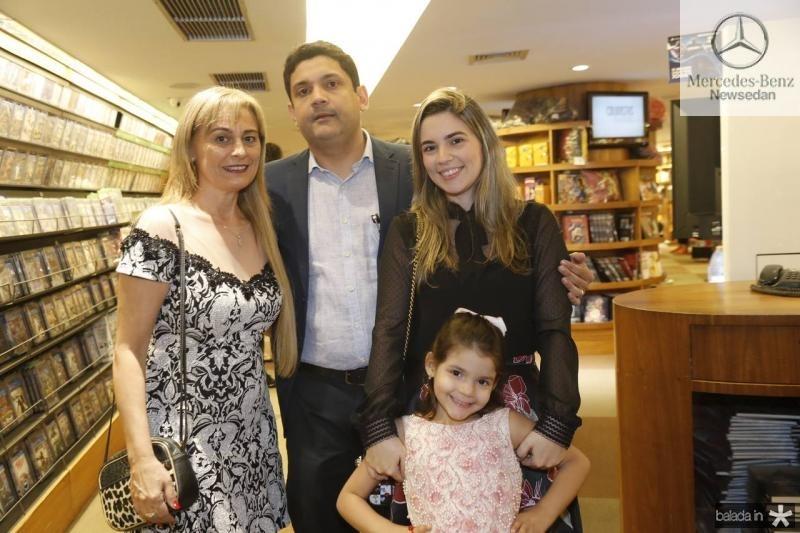 Ana Bastos, Bruno Queiroz, Juliana Bastos e Maria Beatriz
