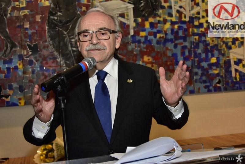 Ednilton Soarez