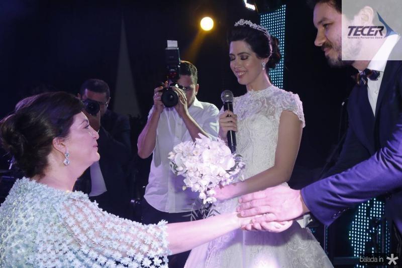 Lurdes e Lorena Aragao e Levy Castelo Branco