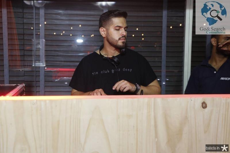 DJ Savio Machado