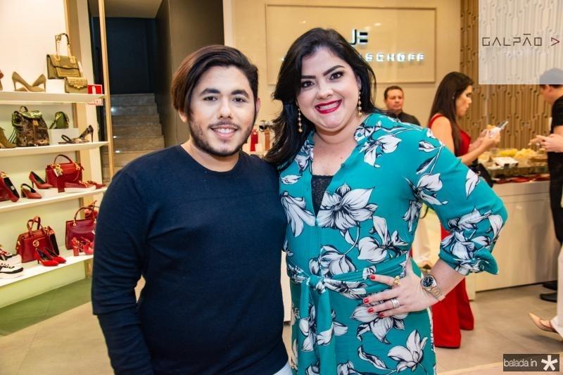 Theo Macmillan e Viviane Almada
