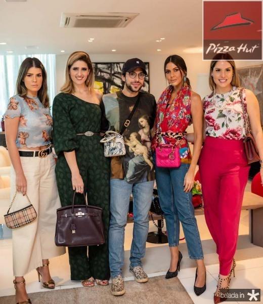 Tayna Ginepri, Rebeca Leal, Aderbal Freire, Mirelle Vasconcelos e Thyane Dantas
