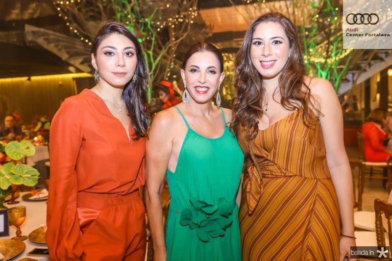 Mila, Luciana e Beatriz Bezerra