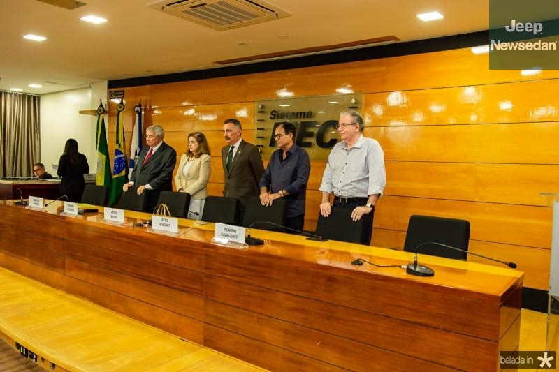 Medalha Joaquim Feitosa para Roberto Macedo (