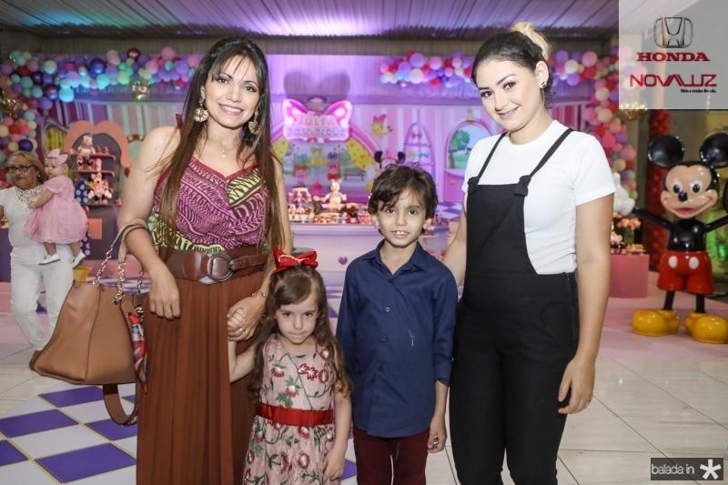 Isabel, Cecilia e Henrique Gomes, Kelviane Oliveira