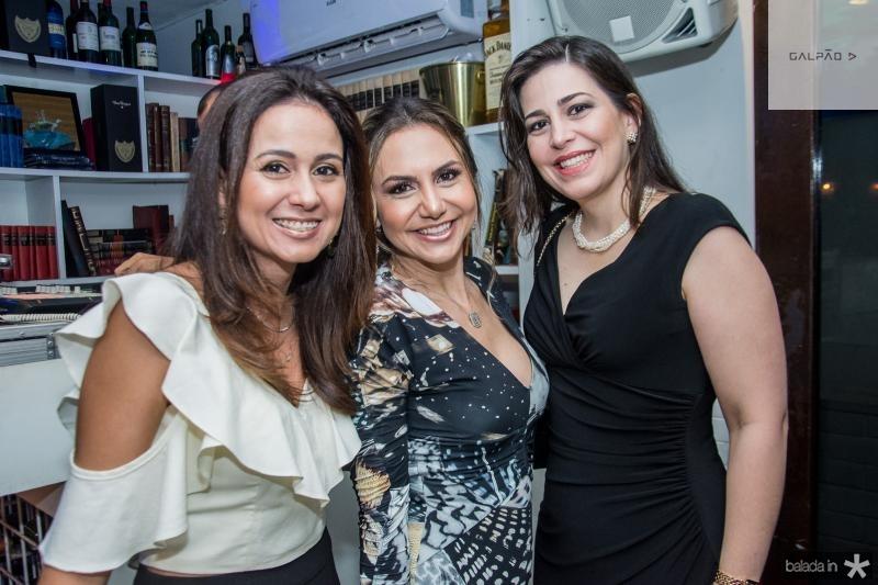 Claudiane Loureiro, Adriana Queiroz e Luciana Gentil