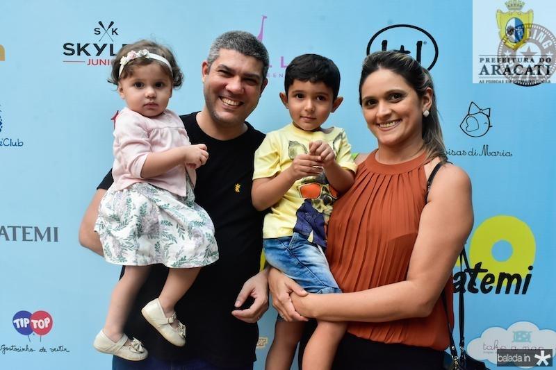Sara, Tiago, Joao Marcelo e Marcela Prado