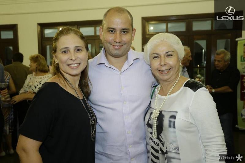 Samira Guimaraes, Andre Linheiro e Alodia Guimaraes