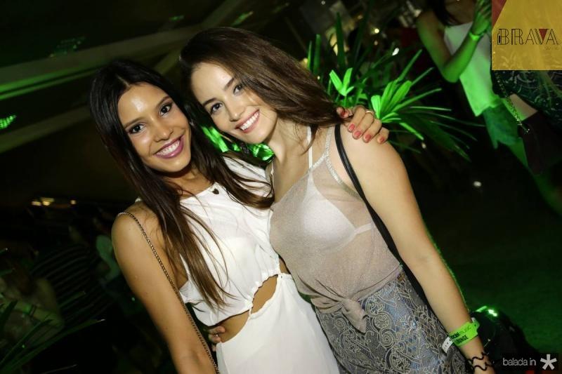 Juliana Abrantes e Paula Roberta