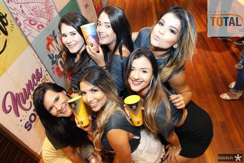 Sarah Espinosa, Isabela Santos, Loana Alexandre, Mabel Espinosa, Isabelle Portela e Larissa Tavares 1