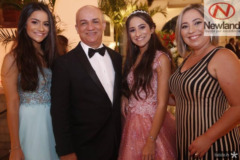 Sara, Paulo, Ester e Suzana Figueiredo