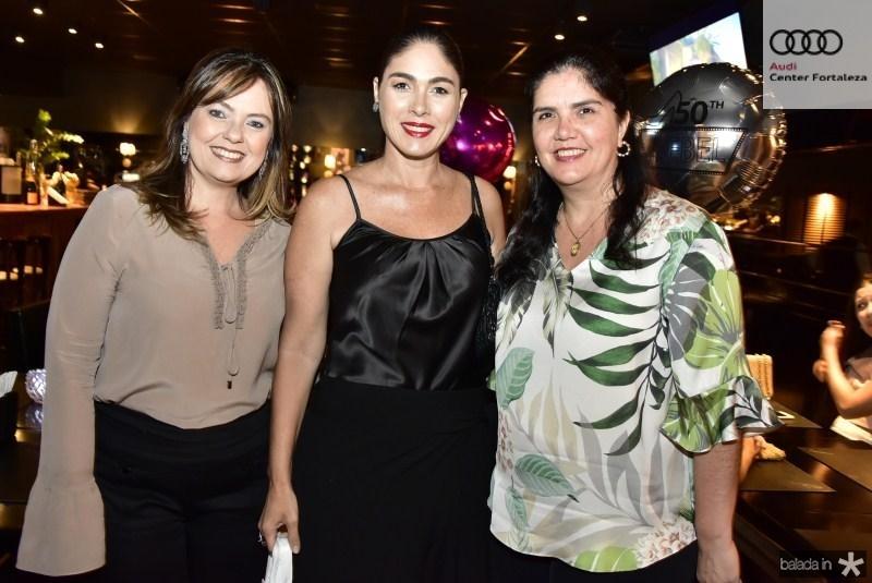 Erica Girao, Isabella Fiuza e Natasha Martins