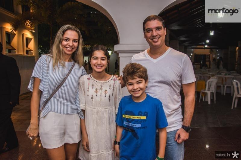 Aline, Clara, Francisco e Marcelo Bom Sucesso