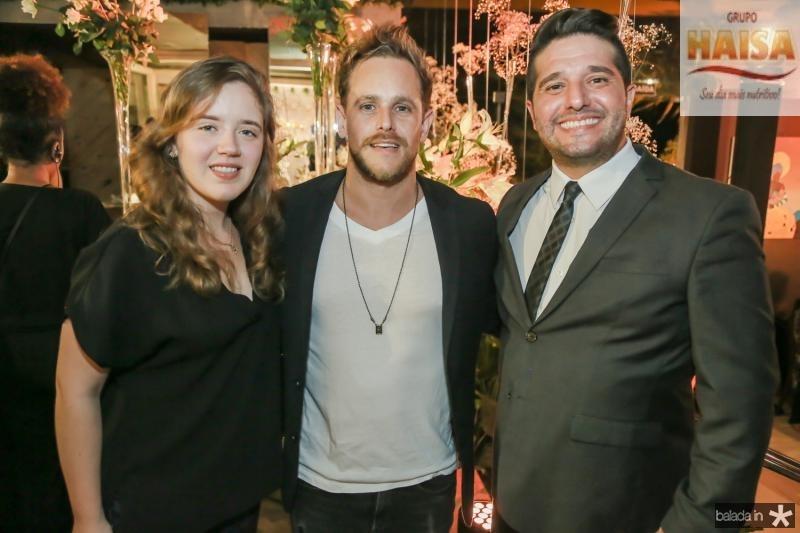 Isabela Ney, Tiago Camargo e Pipo