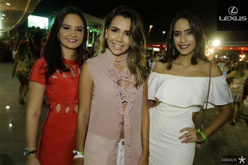 Lara Camurca, Emmanuelle Moreira e Monica Farias