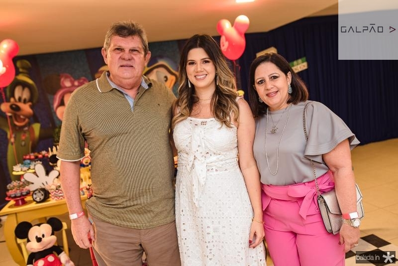 Carlos Cavalcante, Marina Figueiredo e Helena Cavalcante