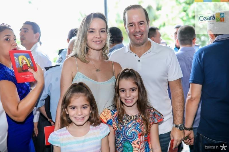 Tereza, Fernanda, Sophia e Cesar Ribeiro