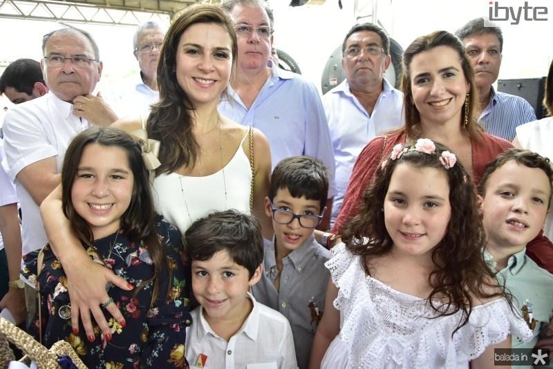 Maria Luiza, Laura, Joaquim, Bernardo, Bianca, Karine e Antonio Araujo