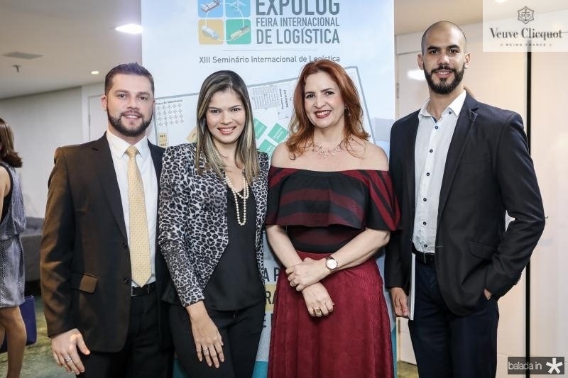 Vitor Pedrosa, Daiana Godoi, Enid Camara e Leo Caetano