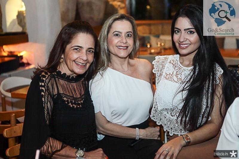 Giana Studart, Cristiane e Carolina Ary