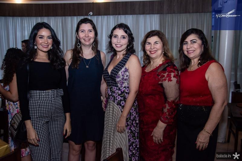 Lorenna Maia, Alice Pinheiro, Natalia Pacculli, Vania Pinheiro e Lucitania Feijao