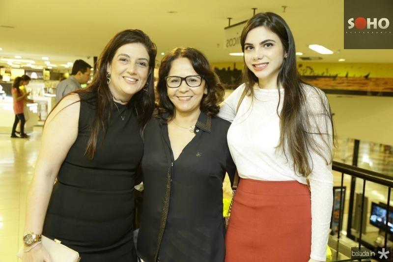 Lana Trigueiro, Ivanildes Feitosa e Mikaela Ferreira