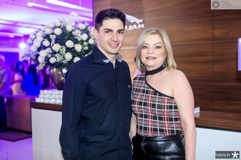 Jonatan Magalhaes e Nadja Moreira
