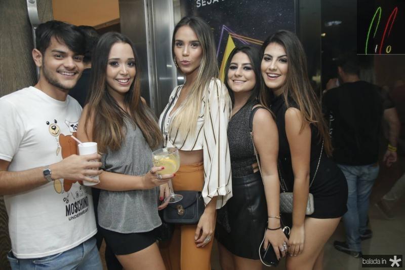 Ricardo Rodrigues, Marina Lima, Amanda Martins, Amanda Bessa e Eduarda Cabral