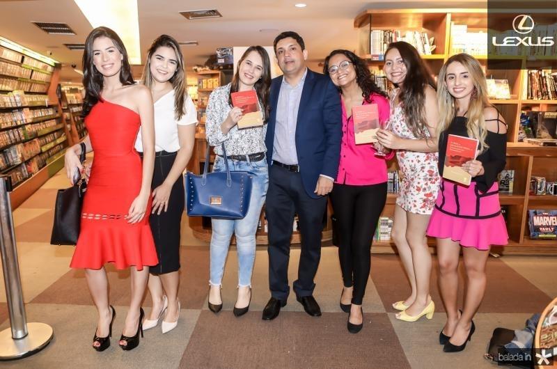 Raila Castro, Lara Cavalcante, Vanessa Mesquita, Bruno Queiroz, Andressa Barbosa, Barbara Tores e Alba Aguiar