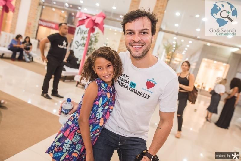 Vitoria Danielly e Valter Costa Lima