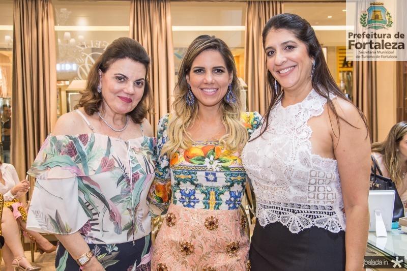Luziana Esteves, Ana Carolina Fontenele e Elisa Oliveira
