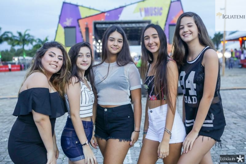 Bianca Vieira, Leticia Parma, Clara Chastinet, Maria Vitoria e Samira Torres