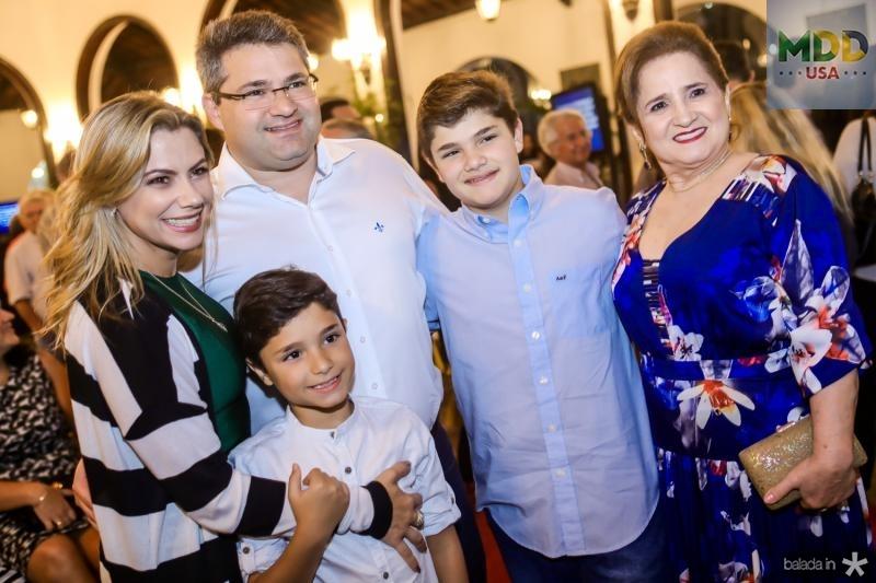 Vanessa, Deusmar, Mario, Pedro Henrique e Auricelia Queiros